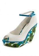 белые лаковые туфли