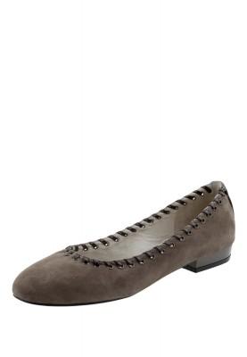 Ножки в босоножках и туфельках